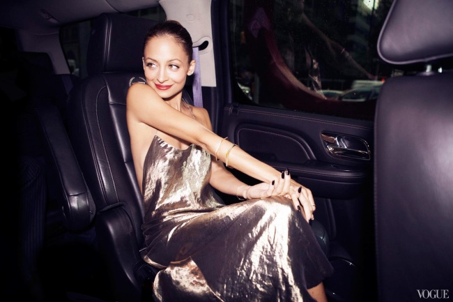 cfda-getting-ready-nicole-richie-14_10310470620